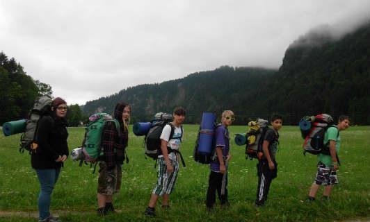 Schulklasse beim Wandern