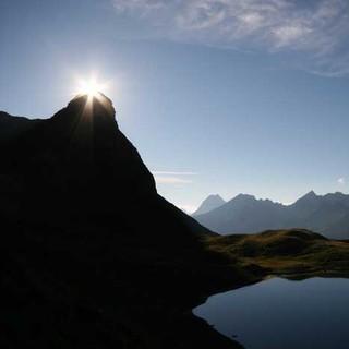 In den Allgäuer Alpen wie hier am Großen Rappensee könnte Sonntag wieder die Sonne scheinen. Foto Pröttel