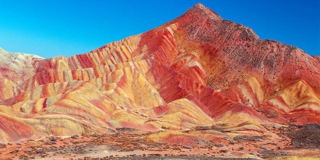 Flammende Berge (im Nordwesten von China) Foto: Andreas Pröve