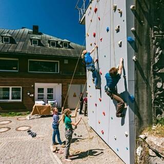 Jubi Kletterwand, Foto: Simon Toplak