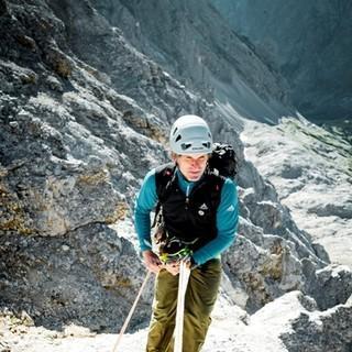 Abseilstelle - An einer Steilstufe wird abgeseilt oder abgeklettert.