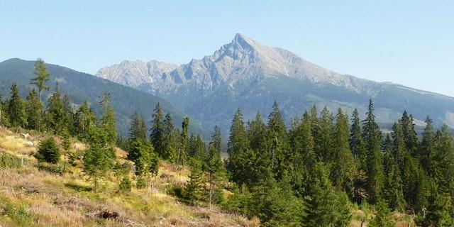 Der Krivan ist einer der vielen beeindruckenden Gipfel in der Hohen Tatra, Foto: Josef Schlegel