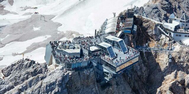 Bis zu 6000 Tagesgäste besuchen im Sommer die Zugspitze mit der Seil- und Zahnradbahn, Foto: Jörg Bodenbender