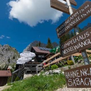 Im Revier der Freuden: Wenn erst einmal die Tannheimer Hütte wieder geöffnet ist, wird's noch netter. Foto: Christian Pfanzelt