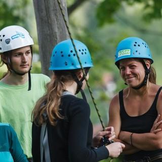 Vertrauen ist im Hochseilgarten wichtig; Jubiarchiv: Marco Kost
