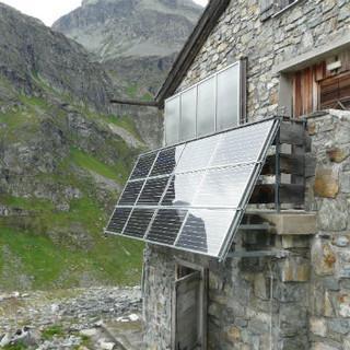 Klostertaler-Umwelthütte-Solarpaneele