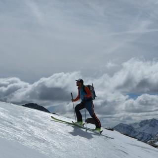Skirunde Großvenediger: Großartige Hänge, einsame Weiten: Anstieg zum Mittleren Maurerkeeskopf. Foto: Stefan Herbke