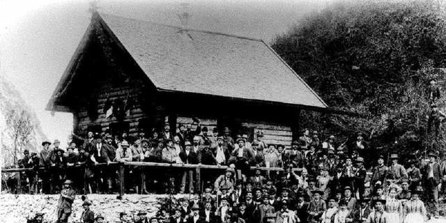Die Eröffnung der Höllentalangerhütte, 1894. Archiv des DAV, München