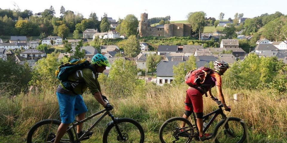Anspruchsvolle Abfahrt nach Burg-Reuland. Foto: Traian Grigorian