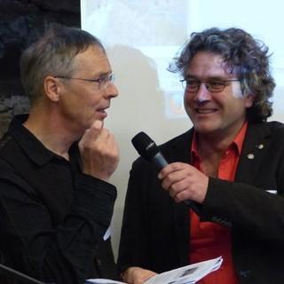 Dr. Dr. Raimund Rodewald im Gespräch mit Dr. Georg Bayerle, Foto: ZUK Benediktbeuern