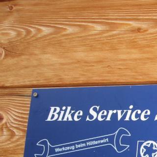 Mountainbike-Service auf der Huette