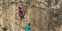 """Dass der Oberhagen noch in Arbeit ist, sieht man am Wandfuß; Nina Höltkemeier in """"Sundance Kid"""" (VII). Foto: Mathias Weck"""