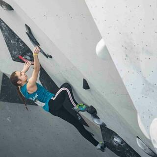 Lilly Hilbrich in der Qualifikation; Foto: DAV/René Oberkirch