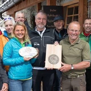 Verleihung des Umweltgütesiegels an die Kaunergrathütte Foto DAV Oliver Guse