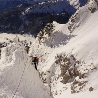 Bei einem Nachwuchscamp werden einzelne Disziplinen des Alpinismus thematisiert. Foto: Thomas März