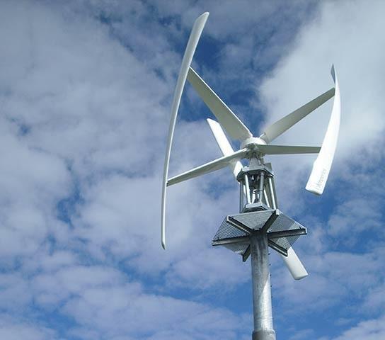 Rotwandhaus - Windkraftanlage - Die neue Windkraftanlage unterstützt die Stromversorgung im Rotwandhaus.
