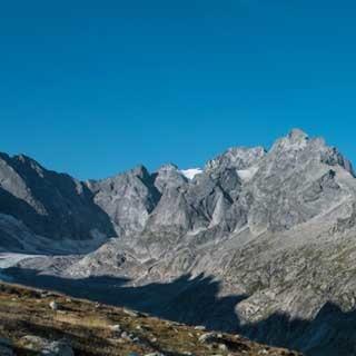 <p>Gut aufgehoben: Die Albignahütte ist einer der drei Kletterstützpunkte im nördlichen Bergell.</p>  <p>Foto: Ralf Gantzhorn</p>