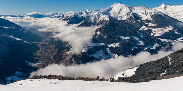 Der Nebel im Passeiertal lichtet sich, die Aussicht wird weit – am Jaufenkamm. Foto: Ingo Röger