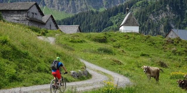 Tag 4, bei der Hauser Alpe, Abfahrt von der Roßstelle (Kanisfluh) ins Mellental und nach Mellau.
