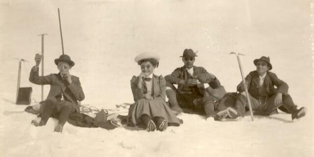 Zu einer winterlichen Pause gehören warme Getränke. Auch daheim, Foto: DAV/Archiv