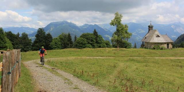 Etappe 4: Die Kapelle am Alpenblick, oberhalb von Schwarzenberg.