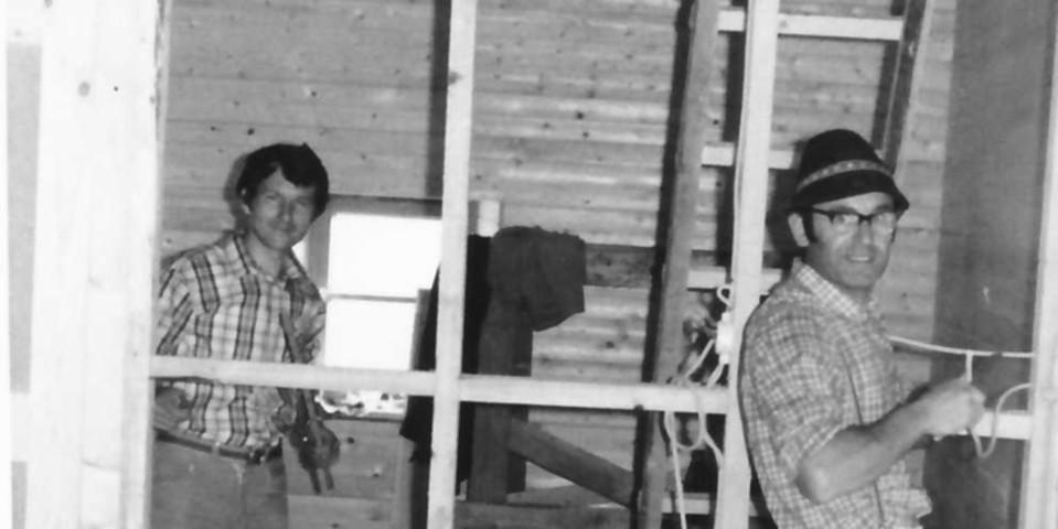 Innenausbau des Nebengebäudes der Geraer Hütte, 1975. Archiv des DAV, München