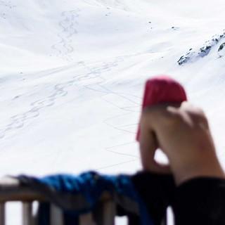 Pause in der Wärme an der Darmstädter Hütte, Foto: Wolfgang Ehn