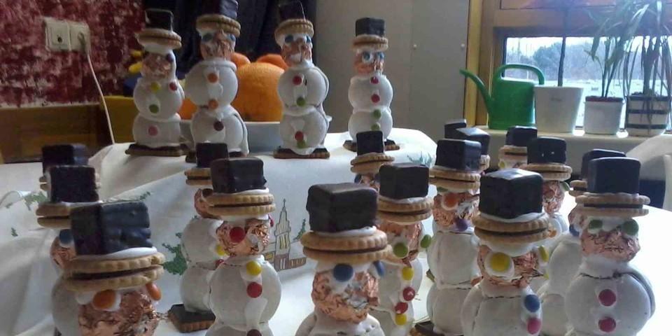 ganz viele tolle Schneemänner der Klasse 7c - (c) Christy-Brown-Schule, Duisburg