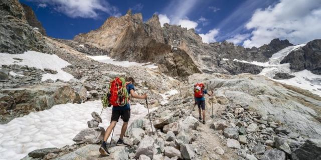 Die Meije ist beim Zustieg zur Promontoirehütte stets im Blick. Foto: DAV / Silvan Metz