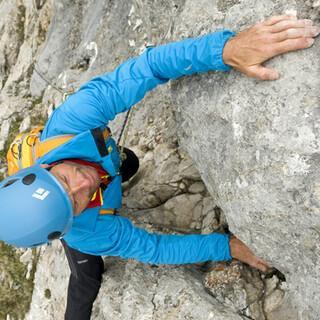 Steiler Auftakt: Schon die erste Länge der Wießner/Rossi führt durch griffigen, überhängenden Fels – ein Vergnügen.