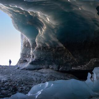 In den Ötztaler Alpen untersuchen Schülerinnen und Schüler den Gletscher. Foto: André Baumeister
