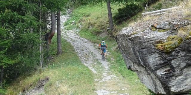 """Tag 9: """"Roches Écroulées"""" bezeichnet die Karte die gewaltigen Felsstürze entlang der Talauffahrt von Abriès über Ristolas zum Monte Viso."""