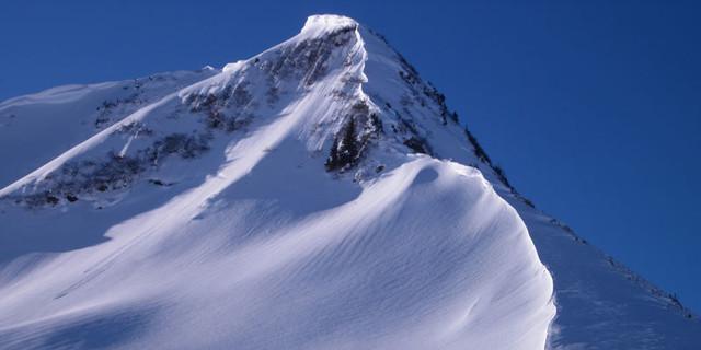 Steinmannl - Nee, nicht Patagonien… Westwinde bauen am Steinmannl fotogene Wächten.