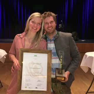 Die Hüttenwirte Kathi und Flo bei der Preisverleihung, Foto: Florian und Kathrin Mittermayr