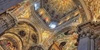 Wer durch Bergamo schlendert, wird auch den prachtvollen Dom in der denkmalsgeschützten Oberstadt besuchen. Foto: Joachim Chwaszcza
