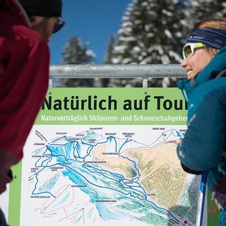 Natürlich auf Tour: Besucherlenkung und Infotafel. Foto: DAV / Terragraphy.de