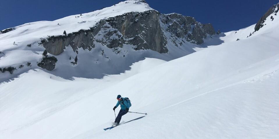 Südseitiger Spaß: Das Noppenkar über Elbigenalp bietet hindernisfreie Hänge. Foto: Luis Stitzinger, Alix von Melle