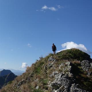 Kurz vor dem Henne-Gipfel, nach links geht's die nächsten Tage weiter. Foto: Andi Dick