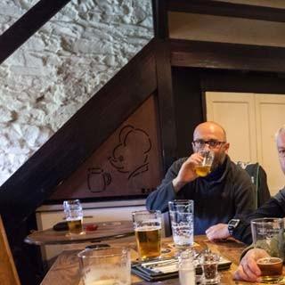 Saftige Kalorien - Im Pub Kirkstile Inn zwischen Loweswater und Crummock Water lassen sich die Energiespeicher auf englische Art nachladen.
