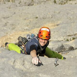 Lohnende Variante: Bene Hirschmann klettert am Untersberg statt des Seilquergangs lieber die Direktvariante (VIII).