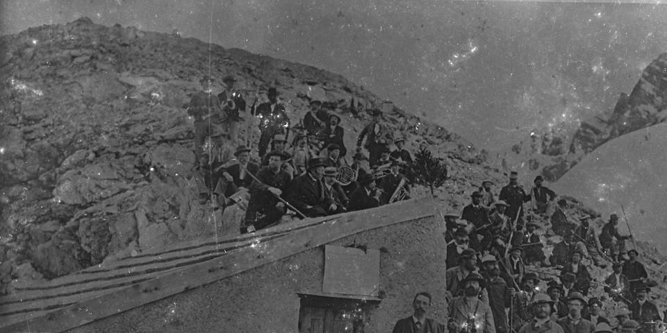 Einweihung der Payerhütte, 1876. Archiv des DAV, München