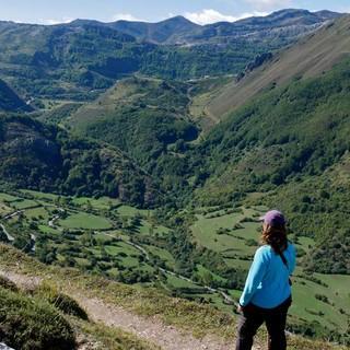 Am Höhenweg über dem Valle Somiedo zur Braña Mumián. Foto: Antes & Antes