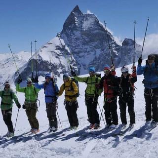Gruppenbild mit Schönheit: Mit dem Matterhorn kann sich keiner messen. Foto: Stefan Herbke