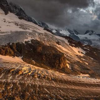 Noch modern Reste des Rottalgletschers vor sich hin – gut für eine romantische Abendstimmung. Foto: Ralf Gantzhorn