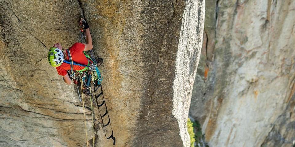 Technoklettern im Urner Granit. Foto: DAV / Silvan Metz