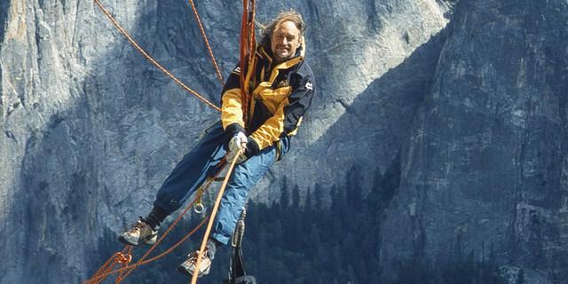 Heinz Zak dreidimensional aufgehängt am El Capitan.