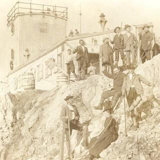 Einweihung der meteorologischen Station am Münchner Haus auf der Zugspitze, 1900
