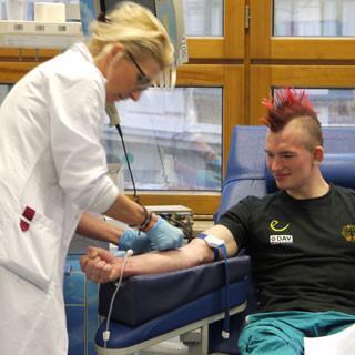 Blutspendedienst und DAV kooperieren