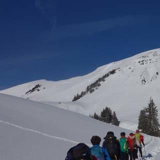 Aufstieg zum Klippern - Gemütlichkeit prägt viele Skitouren im Bregenzerwald, wie etwa die zum Klippern.