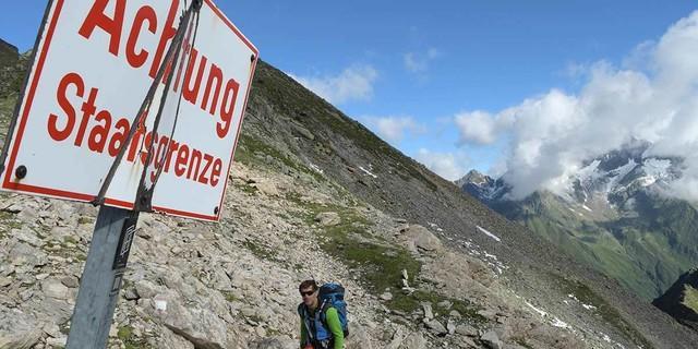 """Warum diese Tour wohl """"Stubaier Grenzkammrunde"""" heißt? Foto: Stefan Herbke"""